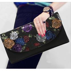 Ví cầm tay nữ in hoa nổi cực kỳ sang trọng và quý phái - V114