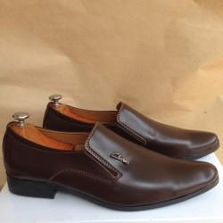 Giày tây nam da màu kiểu dáng thanh lịch