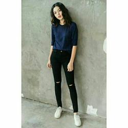 quần jean nữ rách gối màu đen