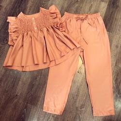 Đồ bộ áo baby + quần lửng màu hồng nude