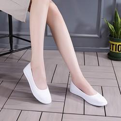 Giày búp bê trắng đi học