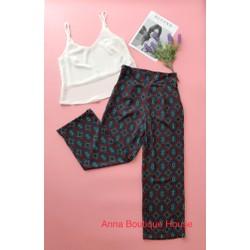 Set áo và quần ống suông hoạ tiết