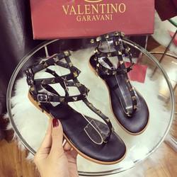 giày sandan chiến binh cách điệu