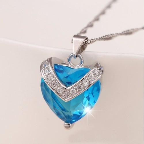 Mặt dây chuyền đính tim xanh tặng kèm dây TS047