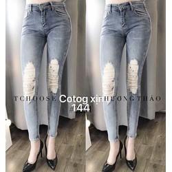 quần jeans rách cá tính