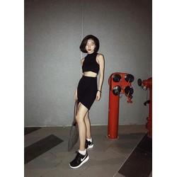 Set croptop và chân váy ôm