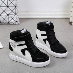 Giày thể thao nữ cổ cao độn đế năng động màu đen