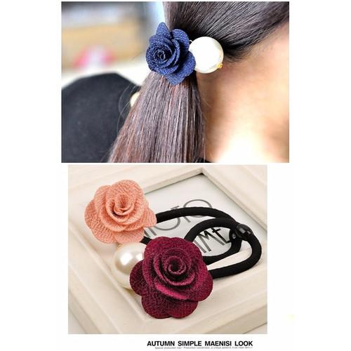 Cột tóc hoa hồng và ngọc trai lớn KT3783