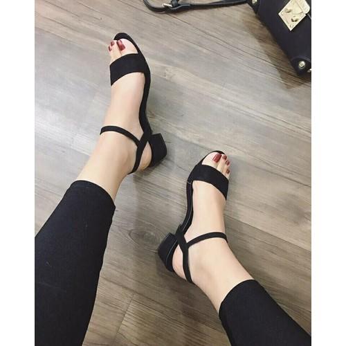 Giày sandal gót thấp quai ngang - 5571058 , 9386893 , 15_9386893 , 155000 , Giay-sandal-got-thap-quai-ngang-15_9386893 , sendo.vn , Giày sandal gót thấp quai ngang