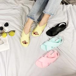 giày sandal nhựa quai chéo