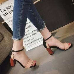 Sandal gót vuông phối 2 màu