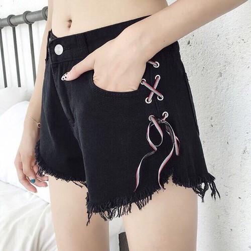 Quần short đan dây