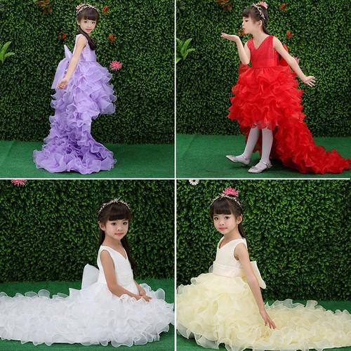 Váy công chúa đuôi công
