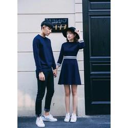 Set đồ đôi couple gồm đầm nữ tay lỡ và áo thun hoodie nam tay dài