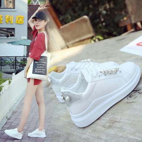 Giày nữ đính ngọc trai giày thể thao nữ thời trang