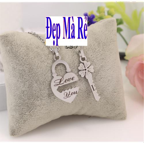 Dây chuyền cặp đôi inox Đẹp Mà Rẻ hình ổ khóa khắc chữ Love You và chìa khóa tình yêu kết hợp cỏ 4 lá màu trắng - 2 dây + mặt như hình - 11104726 , 9522062 , 15_9522062 , 138000 , Day-chuyen-cap-doi-inox-Dep-Ma-Re-hinh-o-khoa-khac-chu-Love-You-va-chia-khoa-tinh-yeu-ket-hop-co-4-la-mau-trang-2-day-mat-nhu-hinh-15_9522062 , sendo.vn , Dây chuyền cặp đôi inox Đẹp Mà Rẻ hình ổ khóa khắc c