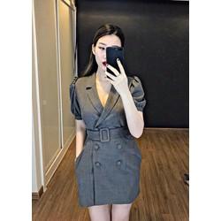 Đầm body cổ vest phối nút kèm belt