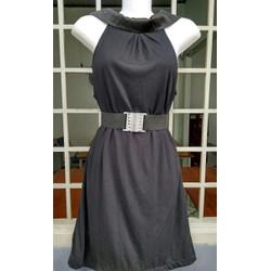 Đầm ôm cổ dạng sơ mi gợi cảm và phong cách