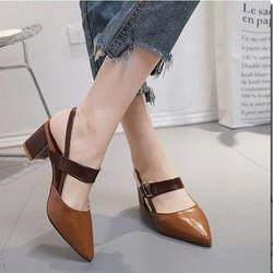 Giày gót vuông mũi nhọn hở gót