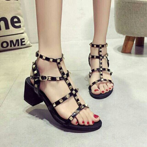 Sandal đinh siêu hót