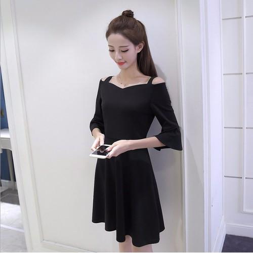 Đầm nữ đen trơn hai dây trễ vai tay loa nữ tính phong cách Hàn Quốc - 4439948 , 9691843 , 15_9691843 , 280000 , Dam-nu-den-tron-hai-day-tre-vai-tay-loa-nu-tinh-phong-cach-Han-Quoc-15_9691843 , sendo.vn , Đầm nữ đen trơn hai dây trễ vai tay loa nữ tính phong cách Hàn Quốc
