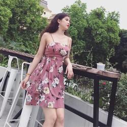Đầm 2 dây hoa xẻ tà xinh xắn