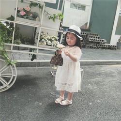 Đầm trắng công chúa cực xinh