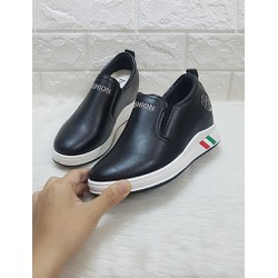 Giày slip on fashion
