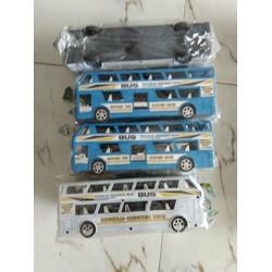xe buýt chạy trớn