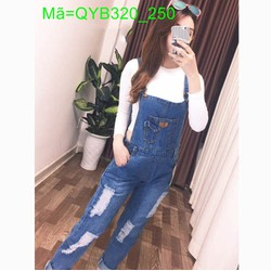 Quần yếm jean dài màu xanh rách phối túi lạ mắt cá tính QYB320