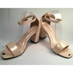 Sandal cao gót Charles Keith màu da