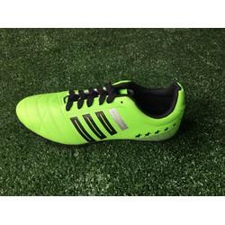 Giày đá bóng COAVU mang phong cách mới