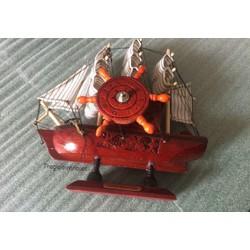 Quà Tặng Ý Nghĩa Hình Hộp Nhac Thuyền Buồm Cực Xinh Màu Đỏ