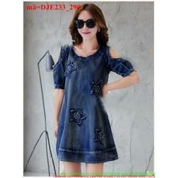 Đầm jean nữ suông khoét vai đấp sao cho nàng thêm xinh DJE233