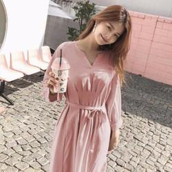 Đầm hồng xếp ly