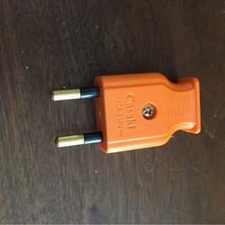 2 phích cắm điện Casaki loại chống cháy, bao gồm 2 cái
