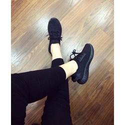 Giày sneaker nữ siêu cá tính