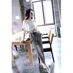 Set đồ thể thao áo thun quần dài sọc trắng đen phong cách Hàn quốc