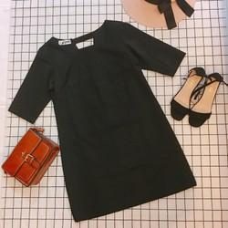 Đầm thiết kế dáng suông màu đen