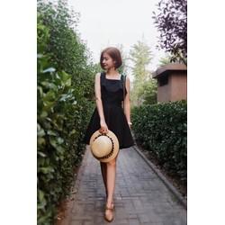 Đầm đen xoè chữ A hở lưng cúp ngực dễ thương quyến rũ
