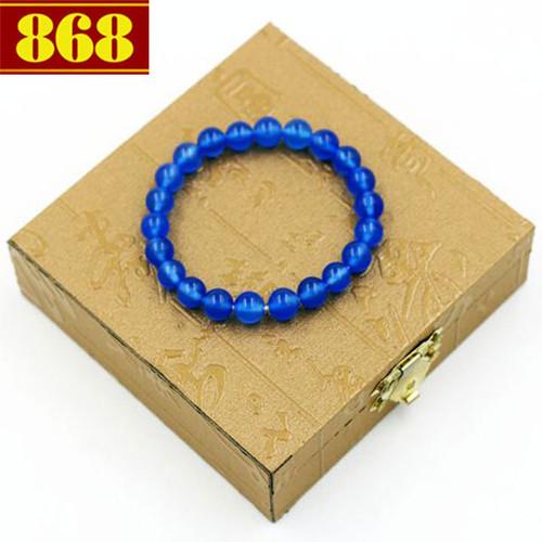 Vòng chuỗi thạch anh xanh dương 8 ly 22 hạt kèm hộp gỗ