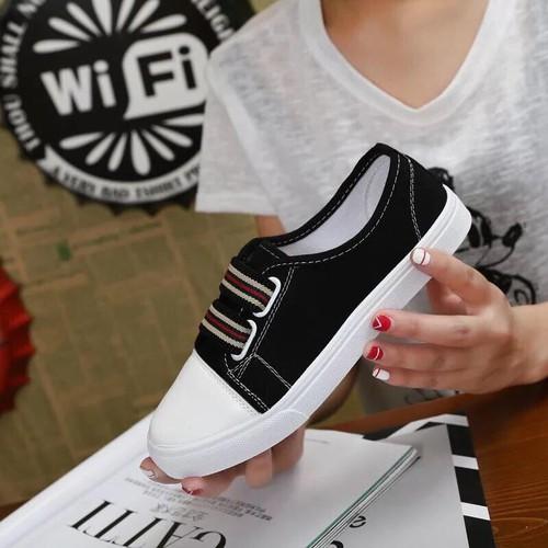 Giày sneaker nữ siêu hót