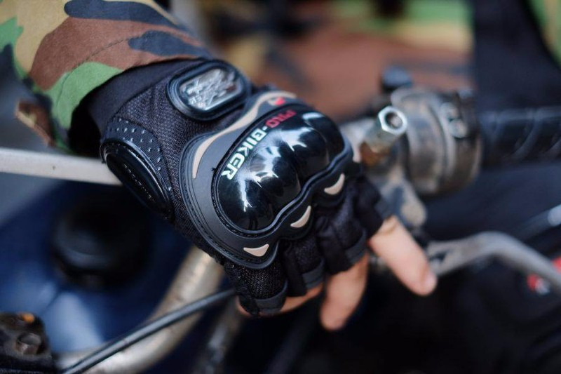 Găng tay xe máy 11
