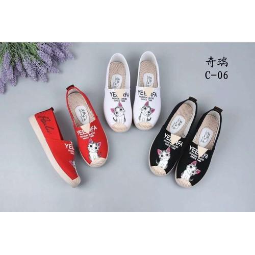 Giày slip on hình mèo nữ thời trang - màu đỏ và đen - 18951810 , 9943512 , 15_9943512 , 80000 , Giay-slip-on-hinh-meo-nu-thoi-trang-mau-do-va-den-15_9943512 , sendo.vn , Giày slip on hình mèo nữ thời trang - màu đỏ và đen