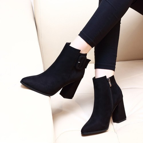 Giày boot nữ đế vuông da lộn sang chảnh