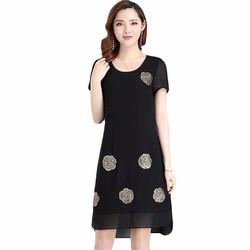 Đầm voan đen hoa hồng - đơn giản mà sang trọng