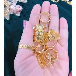 Nhẫn kim tiền khắc máy