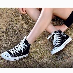 Giày sneaker nam cổ cao màu đen năng động