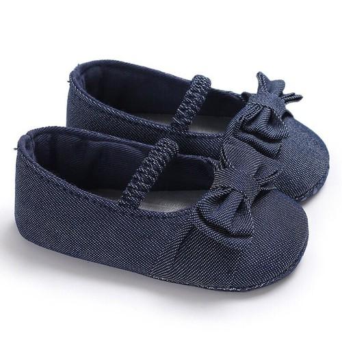 Giày tập đi jean mềm bé gái