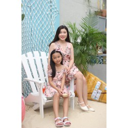 Váy đầm mẹ và bé gái in hoa dễ thương